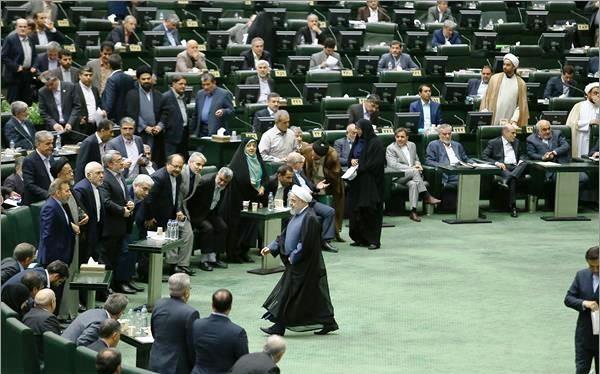 4 سوال از روحانی به قوه قضائیه رفت؛ پایان رفاقت مجلس و دولت؟