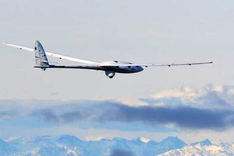 گلایدر بدون موتور ایرباس در ارتفاع 9900 متری پرواز کرد