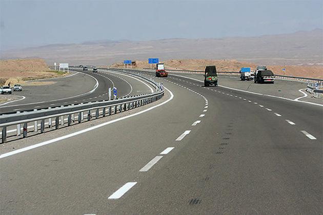 استفاده از تکنولوژی روز در آسفالت/ بهسازی روکش ۱۸۰۰ کیلومتر راه
