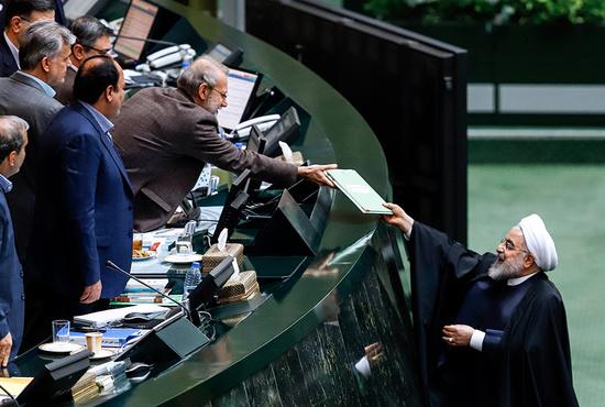 تصاویر| لایحه بودجه سال ۹۹ به مجلس تقدیم شد