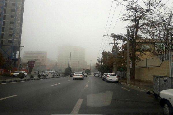 جادههای اردبیل مهآلود است