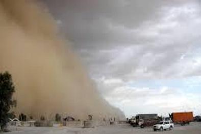طوفان شدید شن در جاده نایین - انارک/ وسعت دید زیر 5 متر