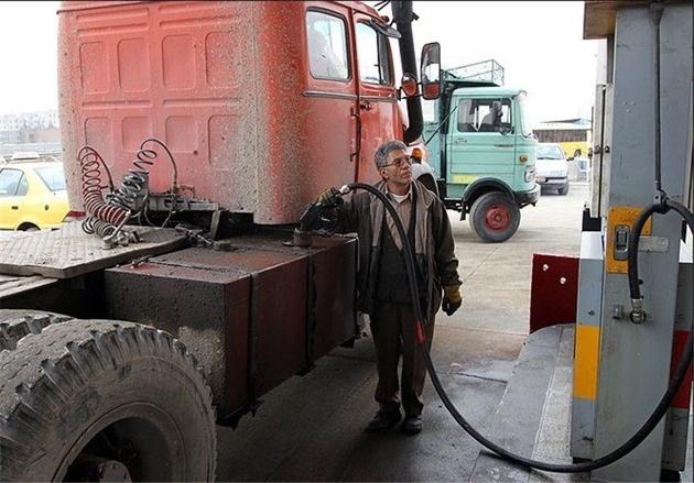 وزیر راه، خواستار توقف کاهش سهمیه پایه ناوگان کامیونی شد