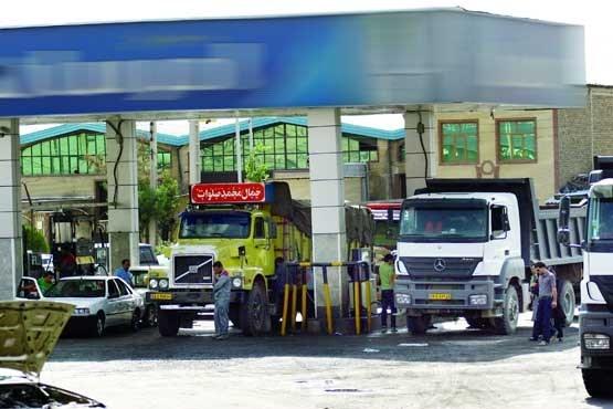 کمبود گازوئیل در جایگاههای سوخت/ رانندگان قاچاقچی نیستند