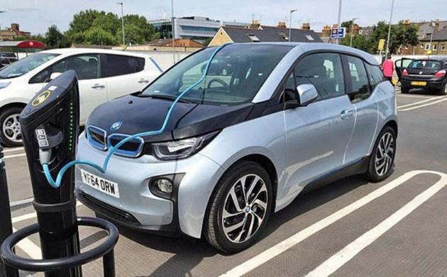 خودروهای برقی؛ حریفی ضعیف در مقابل نفت؟
