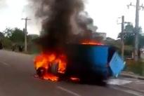 راننده ای که با چنگ و دندان آتشسوزی خودرو را مهار کرد