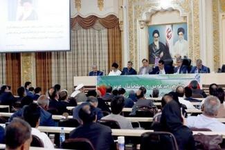 گزارش تصویری / حضور وزیر راه و شهرسازی در جلسه شواری عالی استان هرمزگان