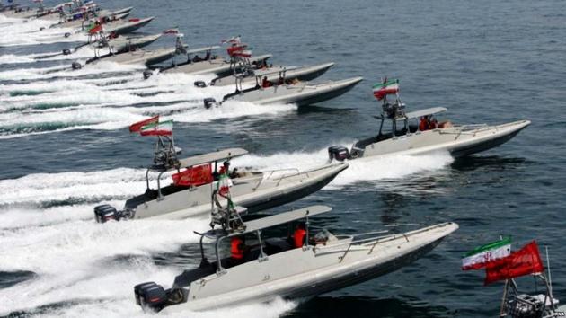 آمادگی قایق های تندرو ایران با موشک برای مقابله با ناوهای امریکا