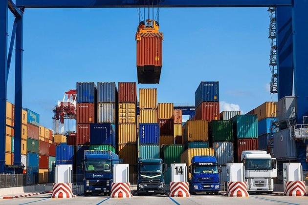 صادرات بیش از پنج میلیارد دلار کالا از گمرکات هرمزگان