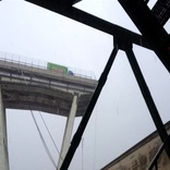 ریزش پل در جنوا؛ دهها نفر جان باختند