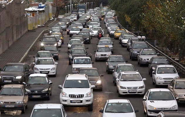 افزایش ۳۰ درصدی ترددهای جادهای/ ترافیک نیمه سنگین در آزادراه کرج