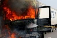 آتش سوزی خطرناک در کامیون