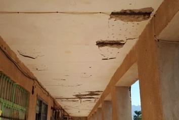 فیلم| خراب شدن سقف یک مدرسه در هرمزگان بر سر دانشآموزان