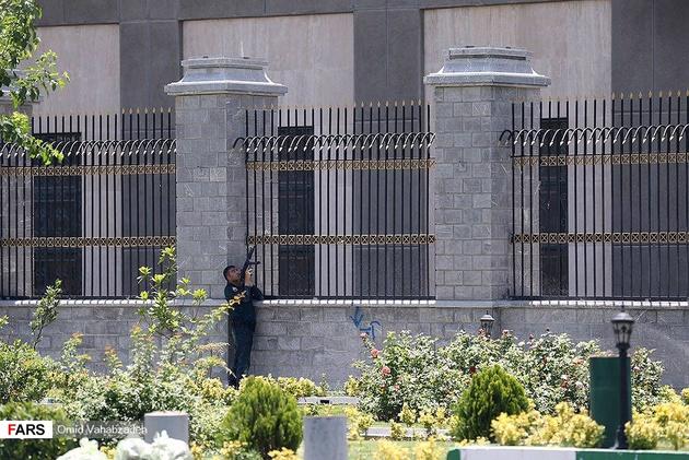 حمله مسلحانه به مجلس