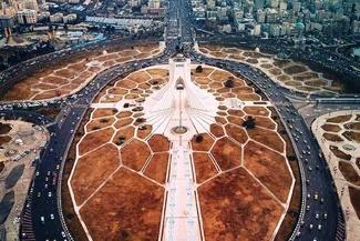 نمایی شگفتانگیز از برج و میدان آزادی