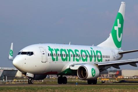 Transavia Boeing 737 Both Autopilots Fail Near Prague