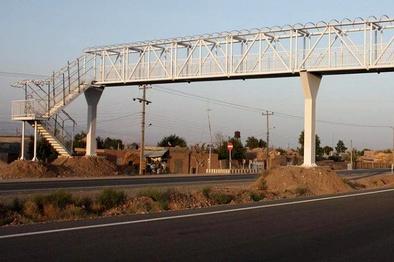 انجام عملیات عمرانی در پل کلاک آزاد راه تهران - کرج