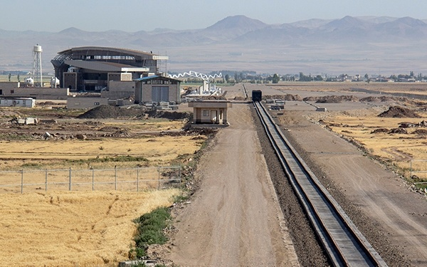 افزایش 134 درصدی تناژ تخلیه بار در راه آهن شمالغرب