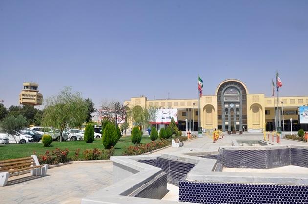 کاشت سههزارو500 نهال در فرودگاه اصفهان