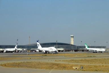 پروازهای فرودگاه امام به دلیل کاهش دید با تاخیر انجام می شود