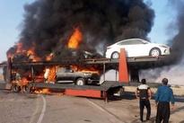 آتش سوزی تریلی حامل خودروهای لوکس وارداتی