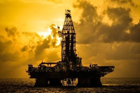 مناطق نفتخیز جنوب آماده تولید روزانه بیش از ٣ میلیون بشکه نفت است