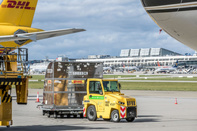 Stuttgart Airport Introduces Electric Cargo Tugs