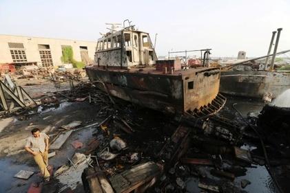بندر یمن پس از حمله هوایی