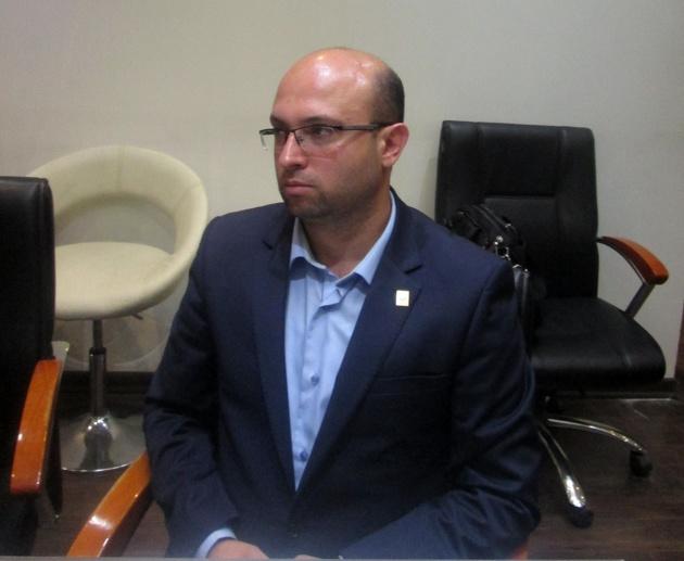 سنگ اندازی سازمان تاکسیرانی و شهرداری قزوین در حل مشکلات وانتداران