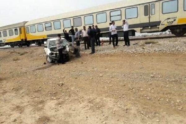 برخورد قطار باری با پراید یک مجروح بر جای گذاشت